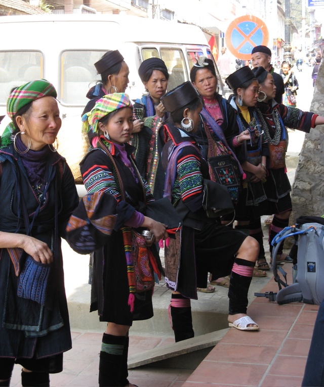 http://2headedturtle.files.wordpress.com/2007/03/hmong-1.jpg